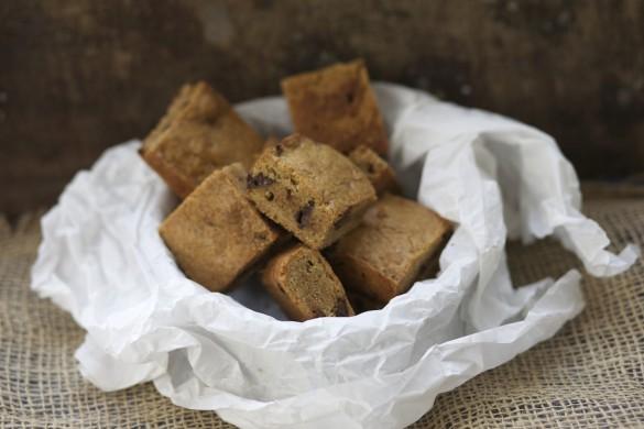 בלונדיז חמאה חומה ושוקולד צ׳יפס נשואה למאפייה קרן אגם