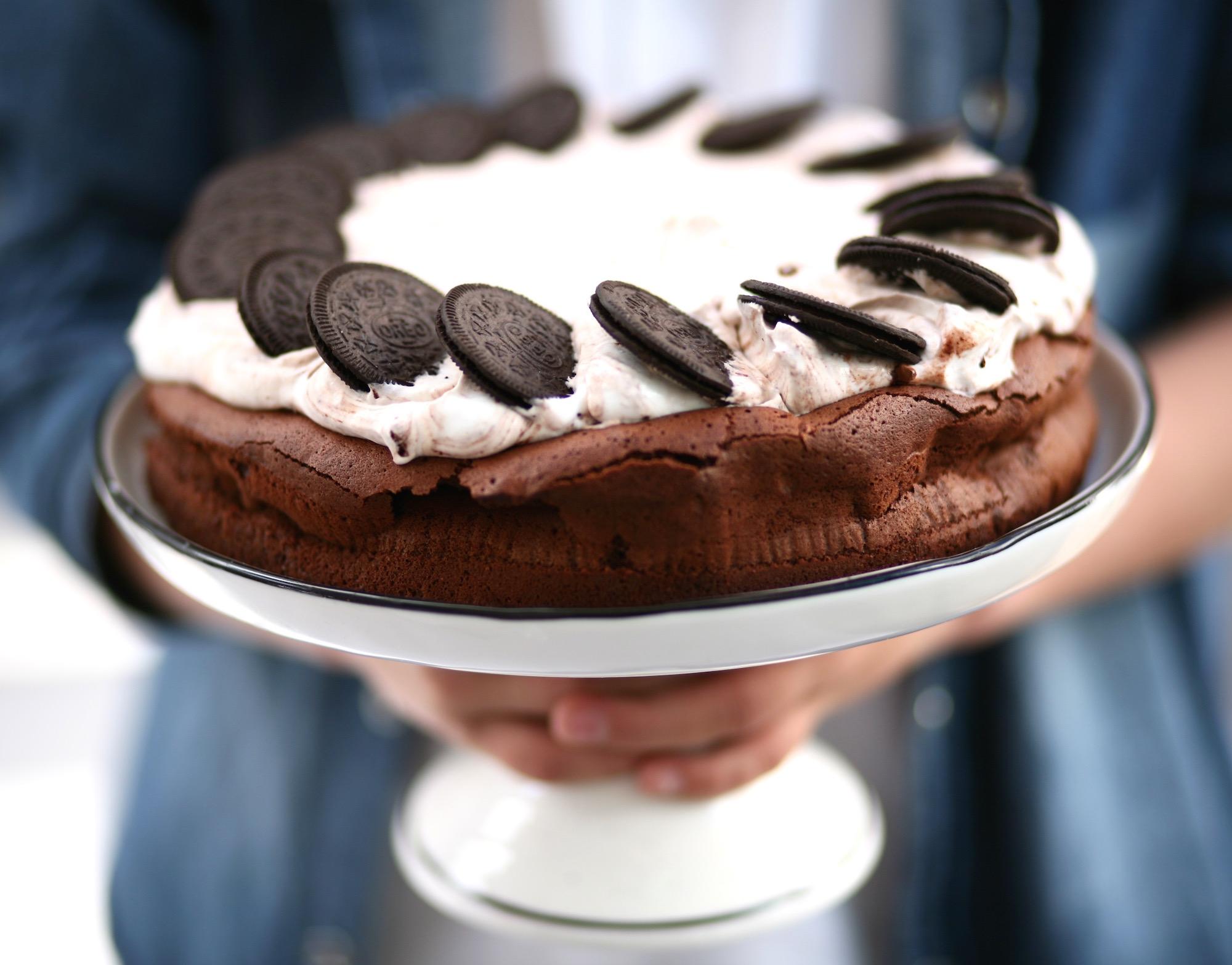 עוגת שוקולד ללא קמח עם אוריאו