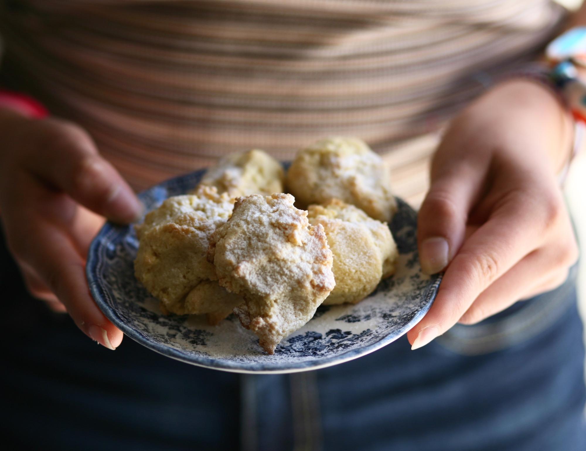 עוגיות שקדים לפסח, ניצול שאריות חלמונים