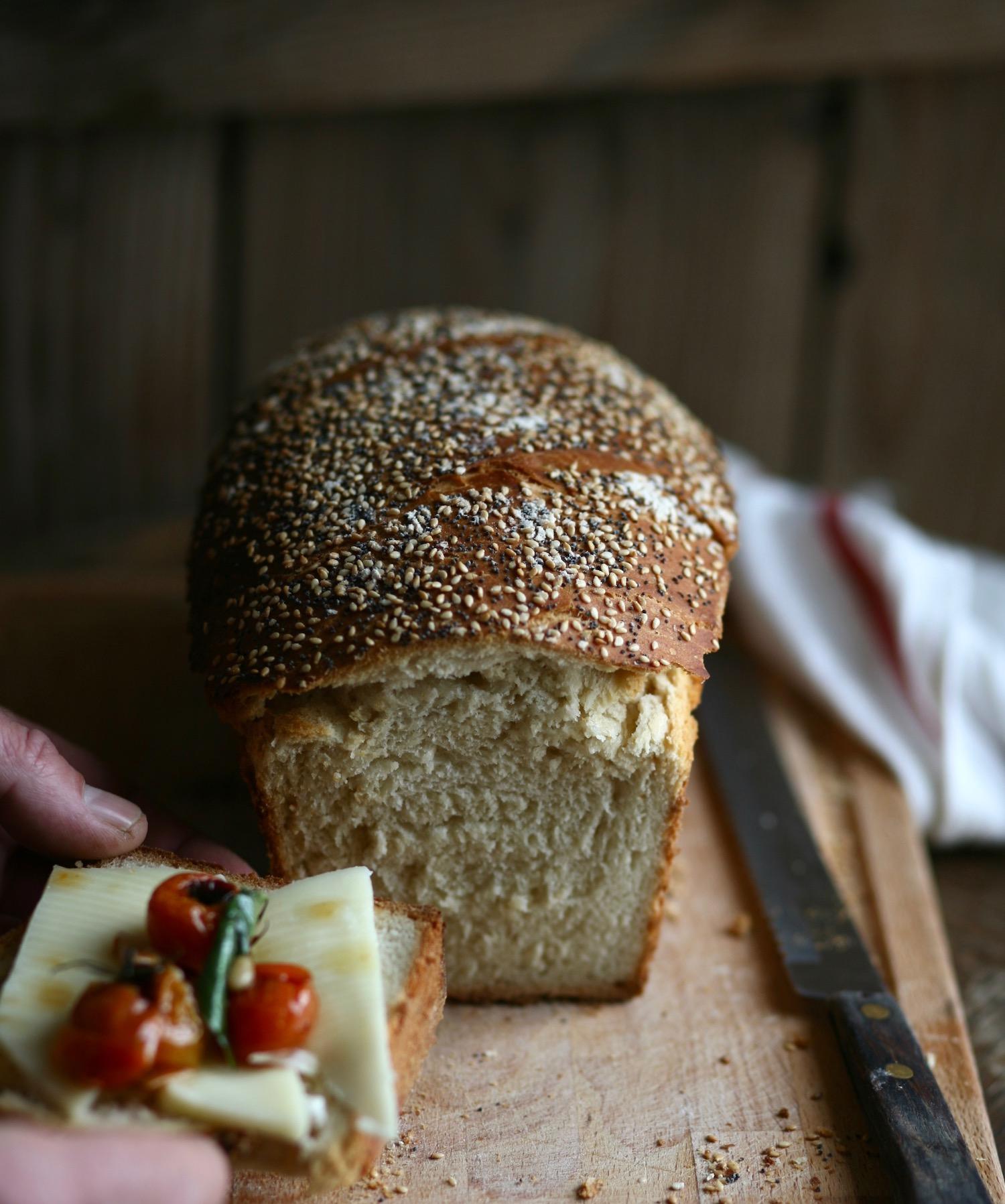 לחם קמח מלא לכריכים